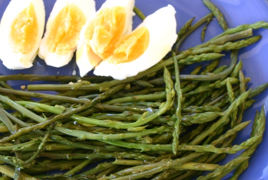 wild asparagus and egg