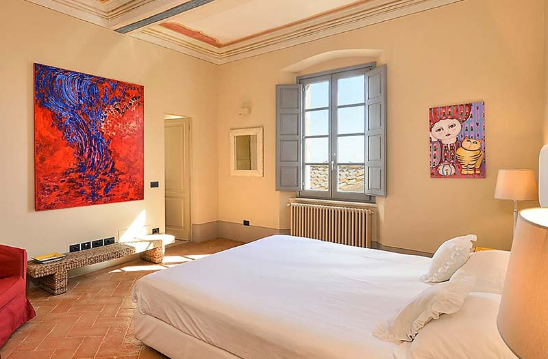 Bedroom of luxury rental in Tuscany